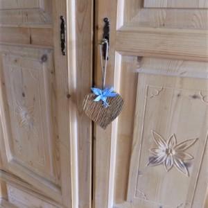 Altholz Herz mit Edelweiß - blau