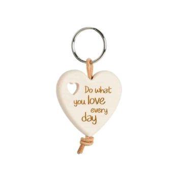 Holz Schlüsselanhänger Herz - Do what you love every day